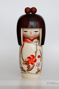 © copyrighted image; all rights reserved.  Kokeshi doll – Harunoyume (Spring Dream) | And so they were seven.  At this pace, I'm sure it's soon time for another group shot :)