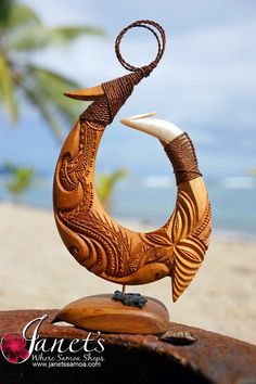Image 1 Chip Carving, Wood Carving Art, Bone Carving, Wood Art, Maori Symbols, Polynesian Art, Bone Crafts, Maori Designs, Hawaiian Art