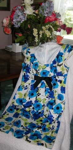 MAGGY L Cotton Blue And Green Floral Cap Sleeve Dress with Black Bow Size 8 #MaggieL #Casual