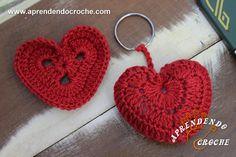 Chaveiro de Crochê Coração - Receita de Croche com o Passo a Passo no Link http://www.aprendendocroche.com/receitas-de-croche/video-aula.asp?resid=1485&tree=23