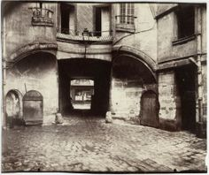 Paris back street - by Eugene Atget Film Photography Tips, Photography Essentials, House Photography, History Of Photography, Documentary Photography, Paris Photography, Paris 1900, Old Paris, Vintage Paris