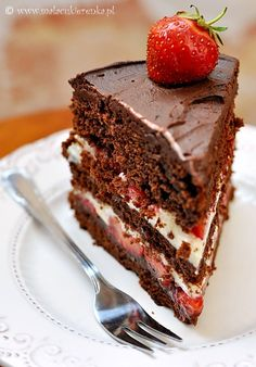 chocolate cake with strawberries. Not in English, but what my daughter had requested it look like