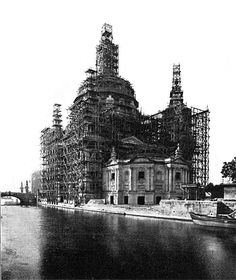 Der Dombau aus der Berliner Architekturwelt (BAW) vom August 1899, das Gerüst hat seine volle Höhe erreicht. Wann das Foto gemacht wurde steht leider nicht dabei.