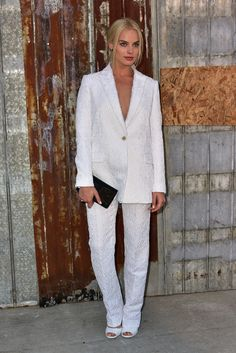 New York Fashion Week - All the Celebrities at Givenchy's Spring 2016 Show - Margot Robbie