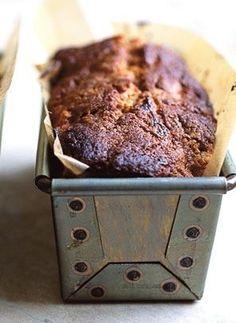 Nigel Slater''s chocolate muscovado banana cake - Sweets for the Sweet - Banana Recipes Banana Recipes, Cake Recipes, Dessert Recipes, Picnic Recipes, Bread Recipes, Easy Baking Recipes, Cooking Recipes, Baking Desserts, Cake Baking