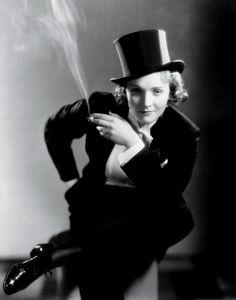Photos: Extraordinary Women: Joan Crawford, Grace Kelly, Jennifer Lawrence, and More Movie Heroines | Vanity Fair
