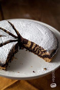 Torta zebrata vegan cacao e vaniglia