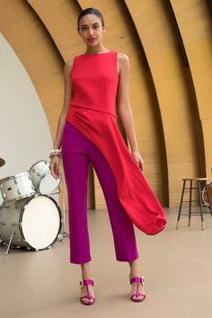Trina Turk Resort 2019 Fashion Show Collection: See the complete Trina Turk Resort 2019 collection. Look 2 Fashion Mode, Vogue Fashion, Fashion News, Womens Fashion, Fashion Trends, Outfit Formal Mujer, Trina Turk, Fashion Show Collection, A Boutique