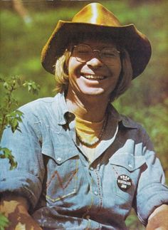 John Denver (When? Where? Photo credit?) - This had to be around the time his Greatest Hits album was out. He was wearing almost the same style hat that he wore on the album cover.