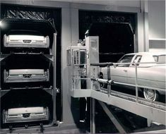 Cadillac Detroit assembly line, 1975 assembly line Detroit Cars, Ford Company, Old American Cars, Assembly Line, Rail Car, Cadillac Fleetwood, Car Advertising, Us Cars, Vintage Cars