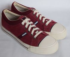 bb82e70ab7a9 TOMMY HILFIGER Vintage Red  amp  White Canvas Low Athletic Sneakers Shoes  Adult 11 M