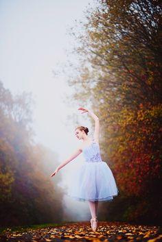 Noelle Johnson Photography Ballerina Fall