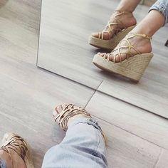 black n white . Black N White, Sexy Heels, Wedge Heels, Espadrilles, Kicks, Wedges, White Fashion, Fashion Shoes, Instagram