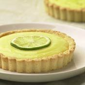 Lemon Curd Tartlets with Poppy Seed Crust - Poppy Seed shortbread crust filled with whipped cream and lemon curd 'mousse'. Baking Recipes, Cake Recipes, Dessert Recipes, Lemon Curd Tartlets, Lemon Chiffon Cake, Keylime Pie Recipe, Crust Recipe, Tropical Desserts, Muffins