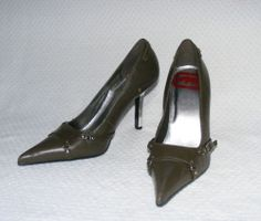 Women's Red by Marc Ecko Grey Leather Pumps Mirrorized Heels & Pointy Toe Size 9