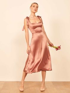 No ugly bridesmaid dresses here. We've rounded up all the best bridesmaid dresses you won't be ashamed to wear. Evening Dresses, Prom Dresses, Summer Dresses, Bridal Dresses, Quinceanera Dresses, Bridesmaids, Satin Dresses, Silk Dress, Dress Outfits