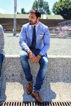 Pitti Uomo. Linen blazer, cotton top, washed blue jeans and brown shoes. My style!