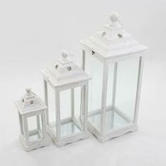 S/3 WOODEN LANTERN (FIR) IN WHITE COLOR AND METAL TOP 30X30X80/23X23X60/16X16X40