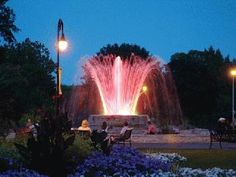 Fountain at night, Vander Veer Park, Davenport, Iowa-This is right across the street from where I lived as a child teen. Richmond Kentucky, Summer Heat, Summer Nights, Places Ive Been, Places To Go, Davenport Iowa, Quad Cities, Major Holidays, Local Parks