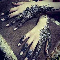 Latest Modern Mehndi Patterns Images Book For Hand Dresses For Kids Images Flowers Arabic On Paper Balck And White Simple.