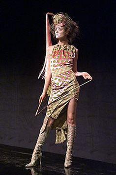 Christian Dior Spring 2000 Ready-to-Wear Fashion Show - Shalom Harlow, John Galliano