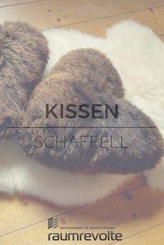 Walisisches Schaffell von Baa Stool zu einem Herz Kissen geformt