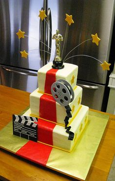 Oscar cake for Maddox Hollywood Cake, Hollywood Theme, Hollywood Glamour, Red Carpet Theme, Red Carpet Party, Movie Cakes, Movie Night Party, Star Party, Disco Party