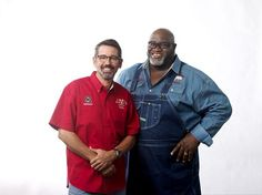 My interview with Moe Cason and Tuffy Stone talking about ribs, life in the BBQ limelight, some grilling tips and of course more ribs! Barbecue Pit, Bbq Grill, Stone Bbq, Bbq Guys, Bbq Pitmasters, Homemade Smoker, Smoker Cooking, Famous Daves, Grilling Tips
