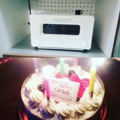 2016/08/26 21:35:54 ka0823ao0808 35歳の誕生日。親がご馳走作ってお祝いしてくれた!我が家は8月に全員誕生日なので自分のお祝いはしないけれど、出張で帰ってきてた兄も一緒にハッピーバースデーを歌ってくれて嬉しかったな😆そしてなんとバルミューダのトースターのプレゼントが今朝届きまして😱明日の朝トースト焼くのが楽しみで仕方ない💓ありがと😂 #誕生日 #ケーキまでありがと #バルミューダ