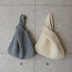 ボアバッグ ボアショッピングバッグ ボアトートバッグ 【Lavish Gate】モコモコのボアがグッと秋冬らしいスタイルに仕上げてくれるバッグ。