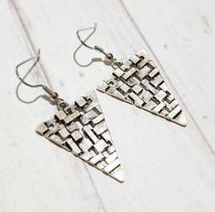 Minimal Antique Silver Triangle Drop Earrings - Geometric Earrings - Everyday earrings - Hobo Style Earrings