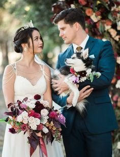 Dog in wedding - mini husky with fall florals
