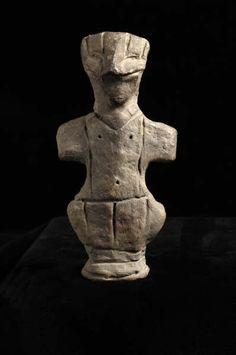 Anatolian Terracotta Fertility Goddess. Origin: Anatolia Circa: 3000BC to 2000BC. Collection: Near Eastern. Art Style: Neolithic. Medium: Terracotta. Location: Great Britain