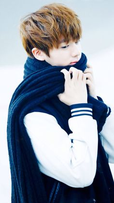"""Jin: """"You can wear this scarf, under one condition: we have to wear it together"""" (♡3♡) Nyohoho, if you say so~ XP"""