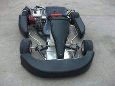 It is high powered racing go kart named Road Rat Racer 200CC XR AKRA Go Kart. It's top speed is 45+mph. It has 200cc engine, hydrolic brakes etc, available in two colors at My Go Karts stock. For more information, click this image.