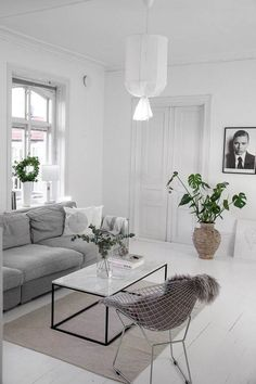 With classic aesthetics and simple details, who else can never get enough of some good minimal interiors? Keep scrolling for some serious interior inspo! Want some more interior inspo? Check out the below: Bathroom… View Post Living Room Interior, Home Living Room, Home Interior Design, Living Room Decor, Interior Decorating, Interior Livingroom, Design Scandinavian, Scandinavian Living, Estilo Interior