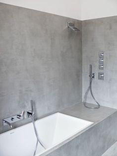 Una delle proprietà del microtopping è la possibilità di rivestire le pareti...addio piastrelle e fughe! C'è di più, comunque. Per scoprire tutte le qualità del microtopping leggi la guida sul mio blog #pavimento #arredo #arredobagno #interiordesign