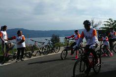 Samosir Wisata Cycling, paket wisata dengan sensasi yang lain di Pulau Samosir dengan mengelilingi Danau Toba serta wisata Medan
