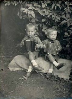 Russian boys and their accordions!