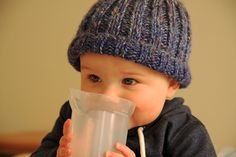 Free pattern for a simple knitted beanie that can be made up to fit anyone, just add length! Free pattern for a simple knitted beanie that can be made up to fit anyone, just add length! Beanie Knitting Patterns Free, Knit Beanie Pattern, Baby Hat Patterns, Free Knitting, Knit Patterns, Stitch Patterns, Baby Boy Knitting, Knitting For Kids, Simple Knitting