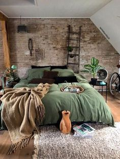 In love with the sheets and the wall! ____ Elegant home decor inspiration and interior design ideas Room Ideas Bedroom, Home Decor Bedroom, Bedroom Inspo, Shabby Bedroom, Bedroom Interiors, House Interiors, Bed Room, Aesthetic Room Decor, Cozy Room