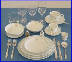 Pan Am Catering 1960 - 1970.. First Class Presidential china service! Beautiful and was unboard to China with President Nixon to the First Flight of an American President to visit Main Land China in 1973. Pan Am supllied the Press Planes and Flight Crews who also were invited to many of the State Functions. Barbra Walters was one of the many famous reporters who were on the trip!
