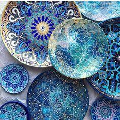 Beautiful mandala plates ✨ Artist @anastasia_ropalo