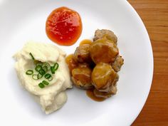 Worthy Pause | a lifestyle and paleo food blog : Paleo Swedish Meatballs and Gravy