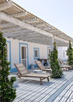 Decoracion con madera para casa estilo mediterráneo cerca del mar