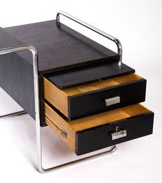 Breuer Thonet B65 desk at Fabenz.com Marcel Breuer, Tubular Steel, Bauhaus, Timeless Design, Vintage Furniture, Office Supplies, Art Deco, Desk, Table