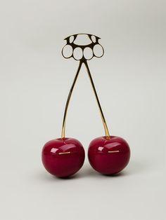 Undercover-cherries-clutch-item-11034129.aspx?storeid=9089