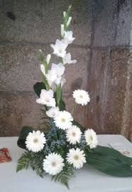 Resultado de imagem para arranjos florais lena gois Table Flowers, Diy Flowers, Fresh Flowers, Beautiful Flowers, Wedding Flowers, Church Flower Arrangements, Church Flowers, Flower Centerpieces, Floral Arrangements