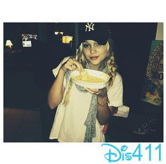 Photo: Olivia Holt Made Queso For Her And Her Family March 23, 2014