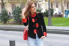 #oriental #mao #mao jacket #uterqüe bags #red bag #jeans #thvlooks #thehighville #street-style #street style #fashion ideas #vintage #outfit ideas #fashion blog #fashion inspiration     https://thehighville.com/blog/chaqueta-de-cuello-mao